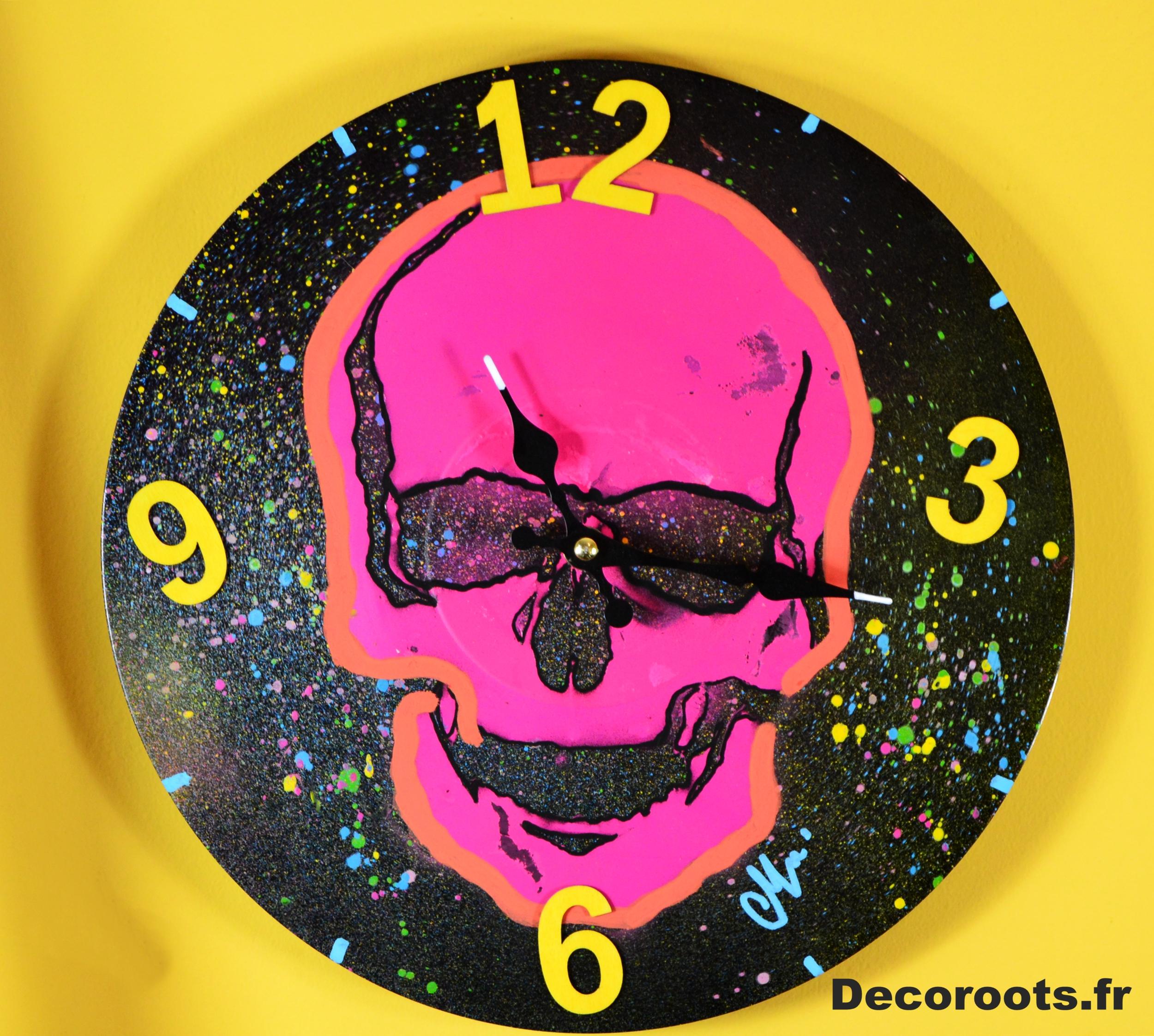horloge design crane fluo rose fuchsia jaune orange tache peinture 2