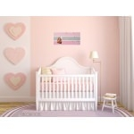 pêle mêle photo enfant bébé fille envol de papillons rose et gris peint à la main décoration rose romantique