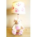 lampe de chevet enfant bébé oursonne fille rose et beige collection gourmandise allumé