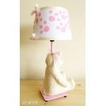 lampe de chevet enfant bébé oursonne fille rose et beige collection gourmandise profil