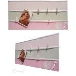 pêle mêle photo enfant bébé gris et rose papillon fille chambre décoration 3