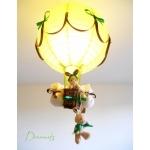 lampe montgolfière enfant bébé lapin et lapine peluche vert anis forêt nature marron chocolat thème forêt décoration chambre lustre abat-jour luminaire mixte fille garçon allumée