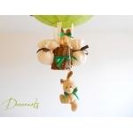lampe montgolfière enfant bébé lapin et lapine peluche vert anis forêt nature marron chocolat thème forêt décoration chambre lustre abat-jour luminaire mixte fille garçon zoom