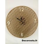 horloge bois nature ajourée design exotique