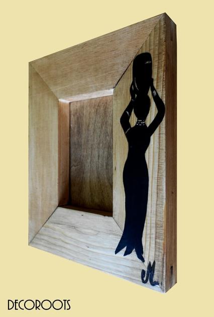 cadre photo ethnique afrique en bois ethnique nature et zen luminaire et objet d coratif. Black Bedroom Furniture Sets. Home Design Ideas
