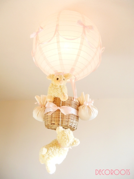 Lampe montgolfi re enfant b b mouton fille rose for Lustre pour chambre bebe