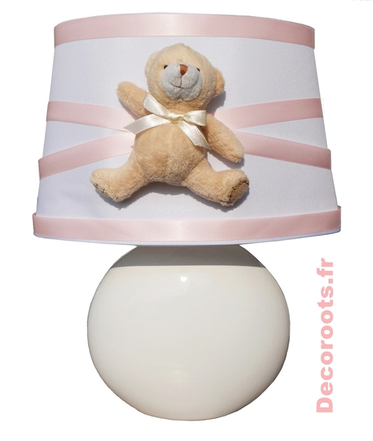 lampe de chevet fille oursonne rose pastel enfant b b luminaire enfant b b decoroots. Black Bedroom Furniture Sets. Home Design Ideas