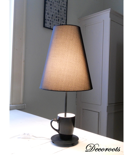 lampe design tasse noir black coffee art design contemporain luminaire et objet design decoroots. Black Bedroom Furniture Sets. Home Design Ideas