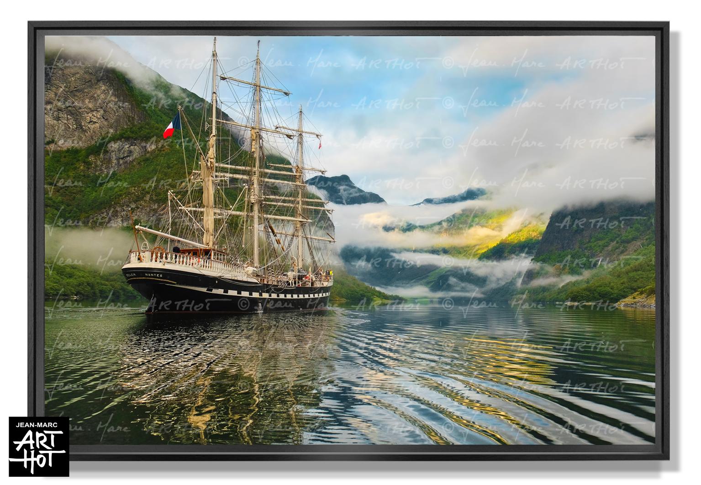 PHOTO D\'ART LE FANTÔME DE NORVÈGE-N°10-Surfing into the Fjord-3780 Colors