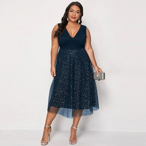 robe-pailletee-grande-taille-femme-ronde