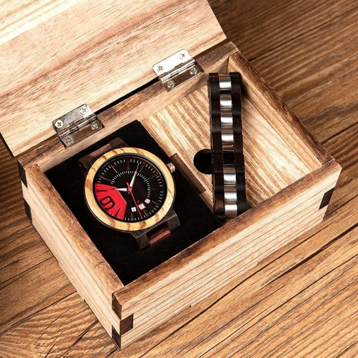 Coffret montre en bois Mélèze et son bracelet (2)