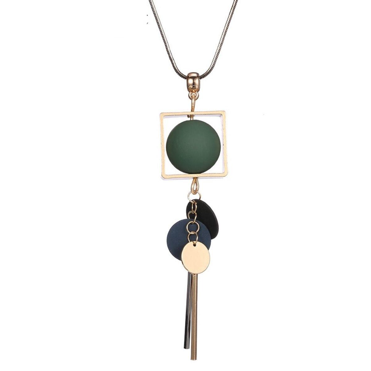 Collier Long et pendentif en perles de bois