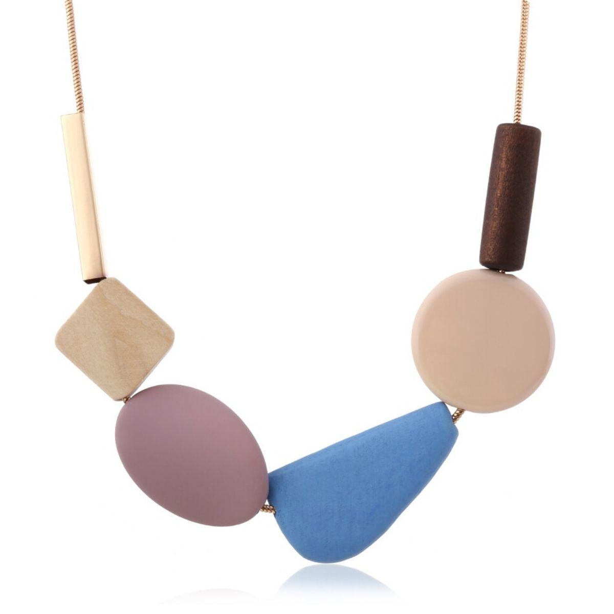 Collier ras de cou, pendentifs géométriques en bois et résine multicolores.
