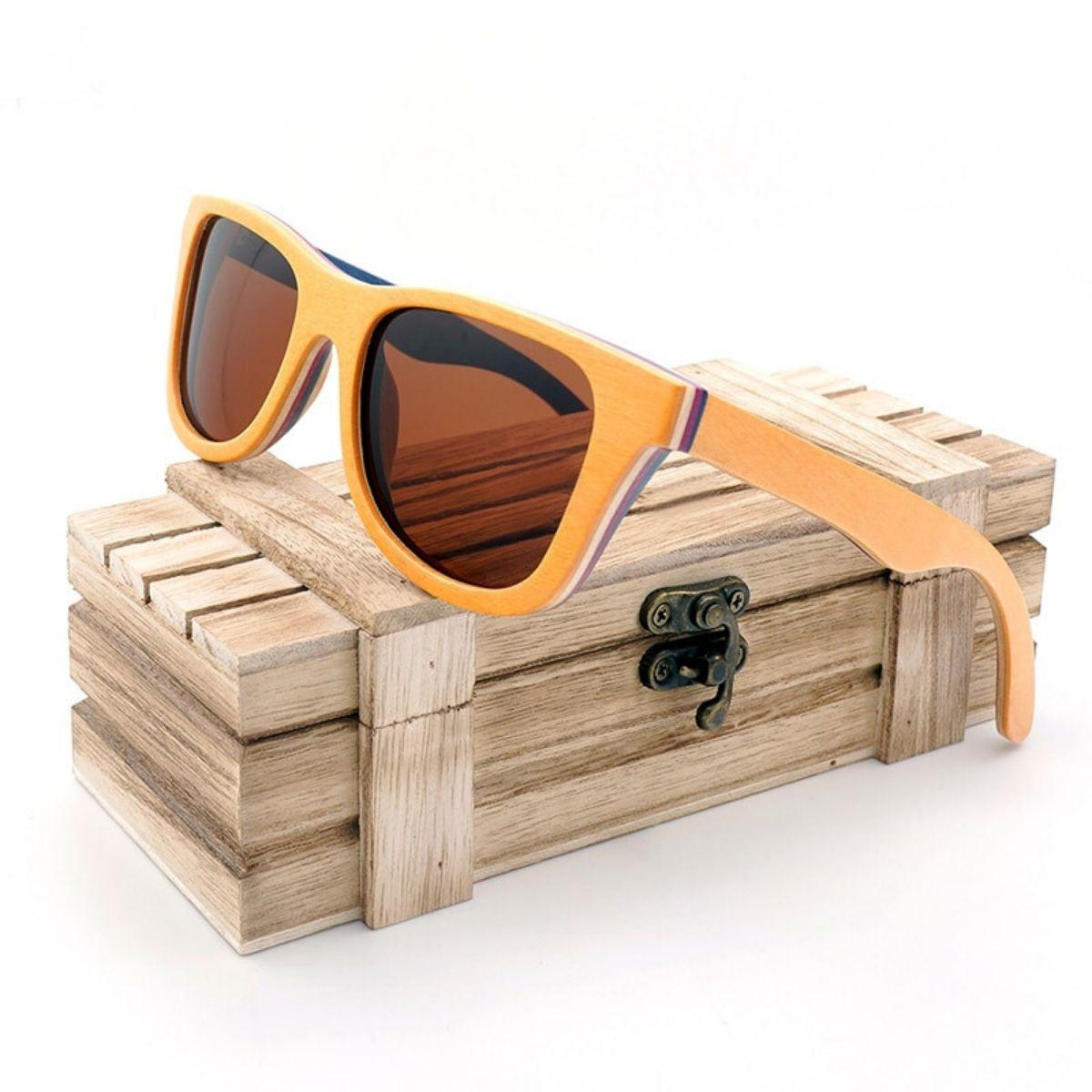 Lunettes de soleil en bois naturel Vaeroy