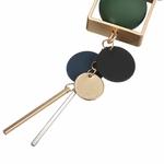 collier pendentif boules  en bois (5)