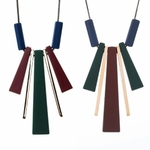 collier long et pendentif long en bois (1)