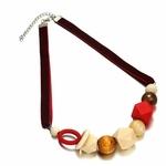 Collier ras de cou perle en bois (2)
