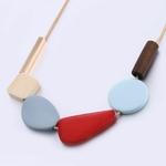 Collier ras de cou élément géométrique bois (2)