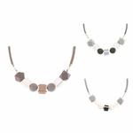 Collier ras de cou, pendentif sphère et cube en bois multicolore (4)