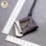 Collier long et pendentif gothique (1)
