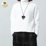 Collier long et pendentif  coeur en bois (5)