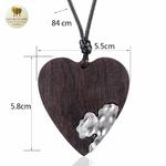 Collier long et pendentif  coeur en bois (3)