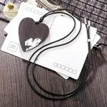 Collier long et pendentif  coeur en bois (2)