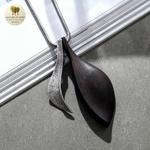 Collier long et pendentif feuille bois de santal (5)