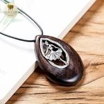 Collier long et pendentif  danseuse et bois de santal (3)