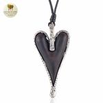 Collier long et pendentif coeur bois de santal (3)