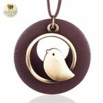 Collier long et pendentif oiseau bois de santal (6)