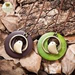Collier long et pendentif oiseau bois de santal (3)