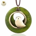 Collier long et pendentif oiseau bois de santal (1)