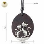 Collier long et pendentif  en bois de santal chat (4)