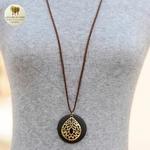 Collier long et pendentif bois de santal fleur (6)