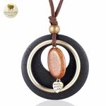 Collier long et pendentif bois galet coeur (2)