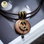 Collier double et pendentif bois noeud amour (5)