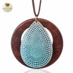 Collier long et pendentif bois feuille bleu (3)