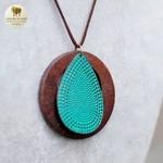 Collier long et pendentif bois feuille bleu (4)