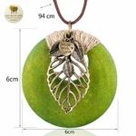 Collier long pendentif bois coeur et feuille (6)