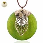 Collier long pendentif bois coeur et feuille (2)
