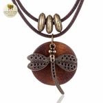 Collier double et pendentif en bois libellule (1)