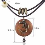 Collier double et pendentif en bois indien (4)