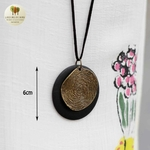 Collier long et pendentif bois et metal tourbillon (8)