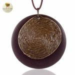 Collier long et pendentif bois et metal tourbillon (3)