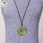 Collier long et pendentif  bois et metal croissant de lune (7)