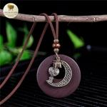 Collier long et pendentif  bois et metal croissant de lune (2)