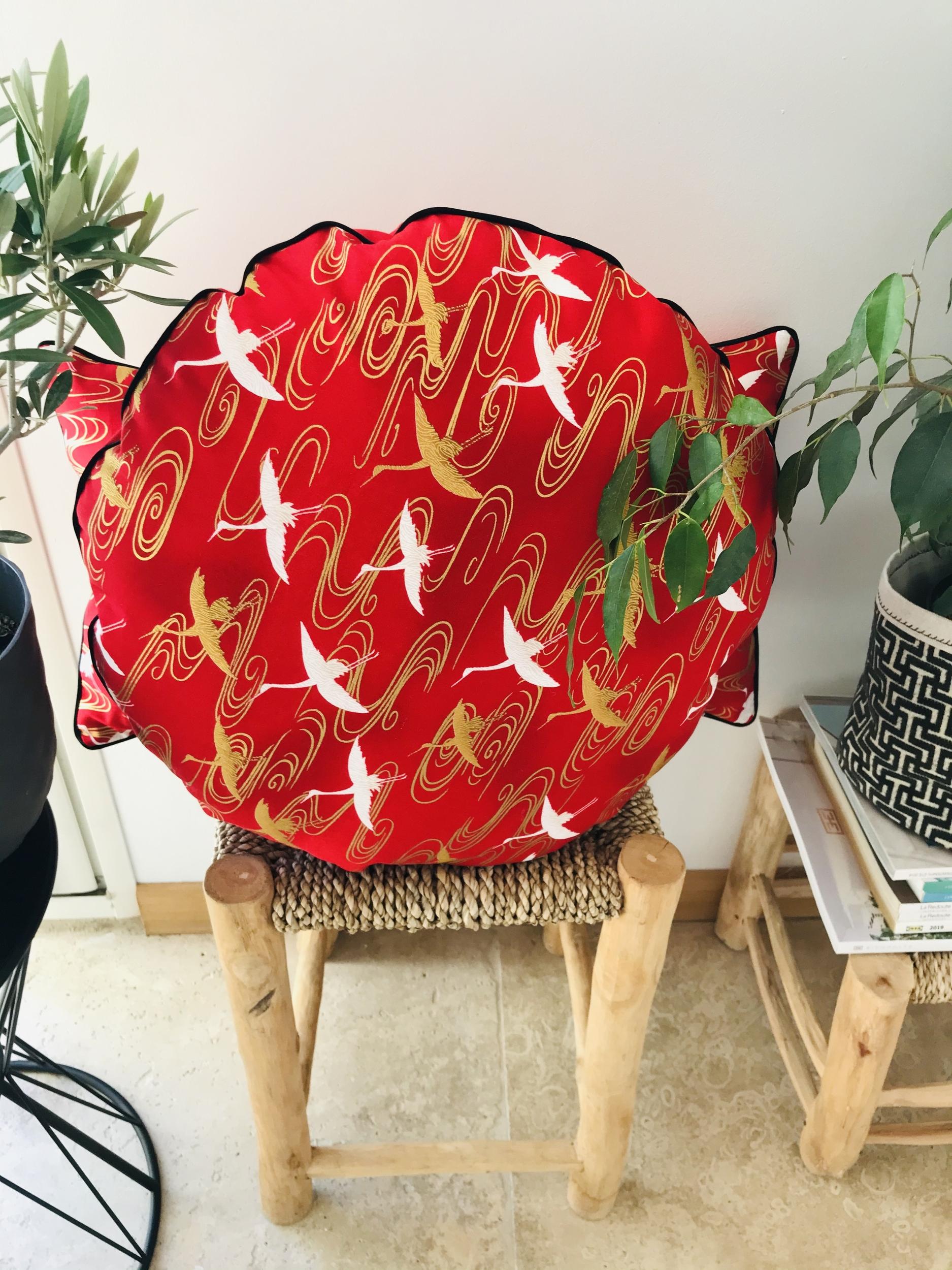 IMG_E7744 coussin japonais rouge grues