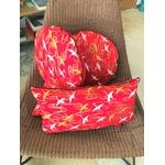 IMG_7756 coussin japonais rouge grues