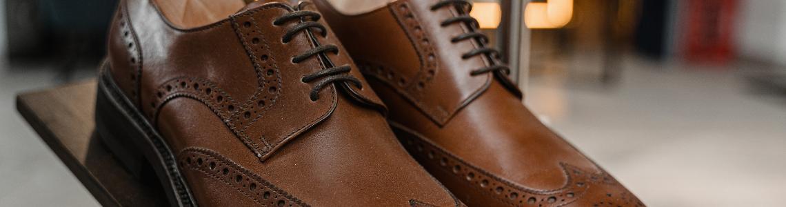 Chaussures à lacets homme.